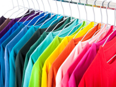 La importancia de las perchas en tu comercio o tienda