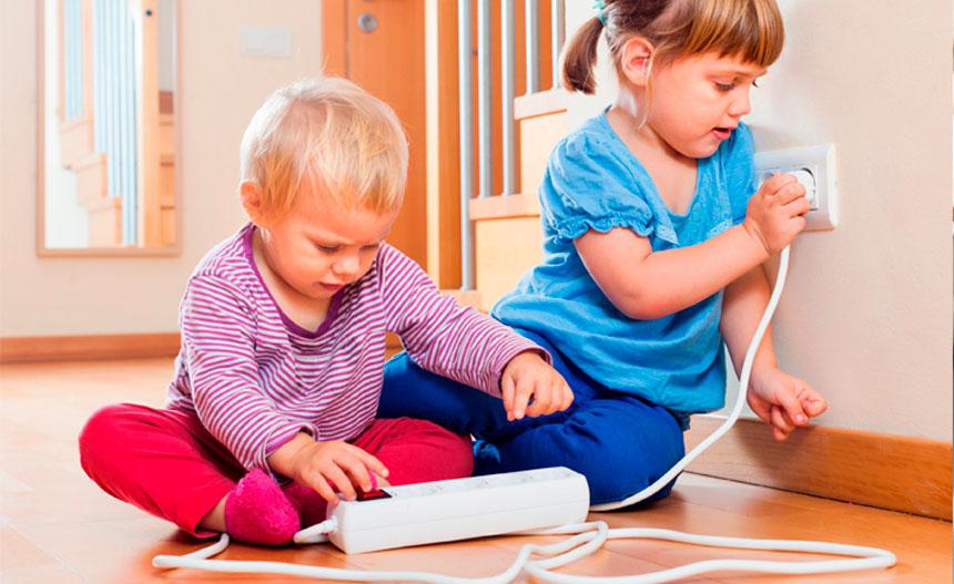 Cómo proteger a los niños de los riesgos eléctricos
