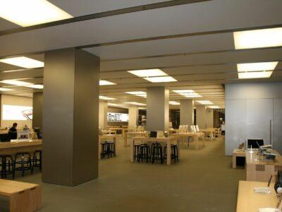 La empresa Ainsis instala telas translúcidas en las Apple Store