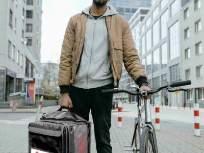 Yallego, la primera franquicia de food delivery a favor de la Ley Rider que entra en vigor el 12 de agosto