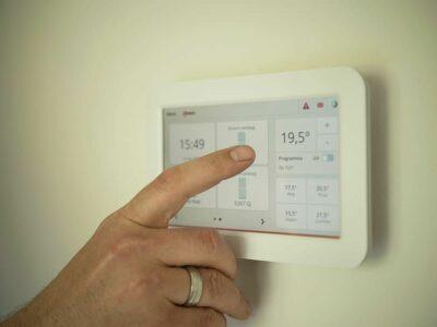 Interruptores y termostatos inteligentes para el hogar, según termostato.com.es