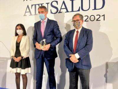 Juan Antonio Álvaro de la Parra recoge el Premio Especial A Tu Salud por la «Gestión de la pandemia»